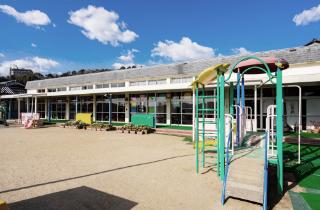 幼稚園や小学校などの教育現場