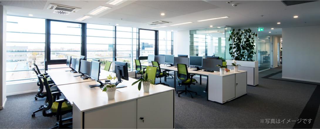 オフィスの執務室